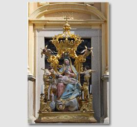 Statua della Beata Vergine Maria all´interno del Santuario di Sommariva del Bosco